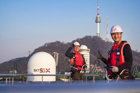 인류가 한 번도 가보지 않은 '5G의 길' 개척...SKT 5G 첫 돌